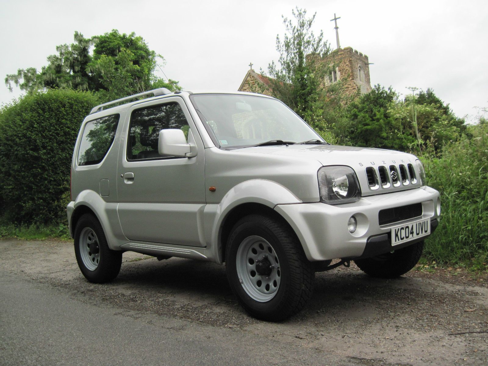 Suzuki jimny mode automatic 2004 silver one owner from new me