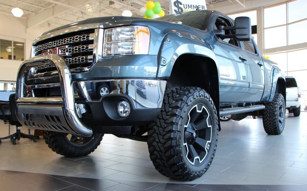 This Sierra Proudly Shows Off A 6 Bds Lift Kit Bushwacker Fender