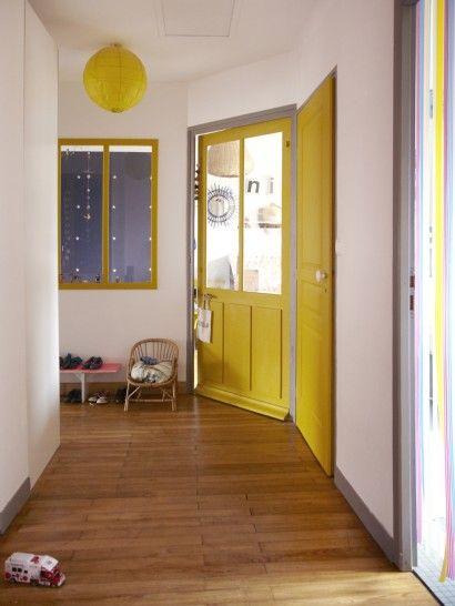 Anne Millet habite une maison très sympa Entrée, Thés et Jaune - Peindre Un Encadrement De Porte