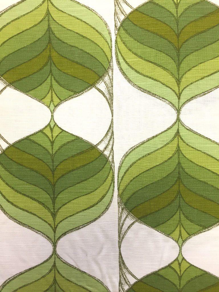 Mooie retro stof met een prachtig patroon en frissen kleuren. Leuk ...