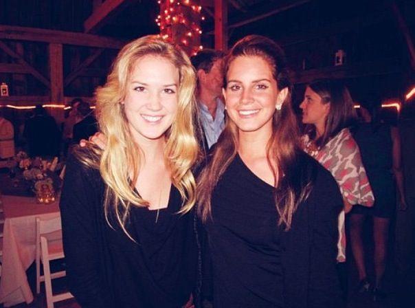 Lana and Chuck! Both so cute #lanadelrey #chuckgrant #girls #family #sister #singer #tropico #borntodie