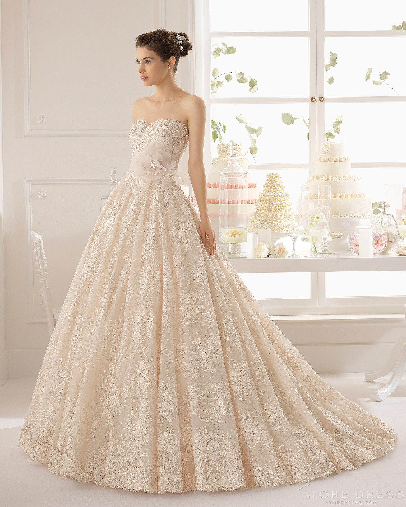 Wedding dresses ball gown sweetheart  Glamour Ball Gown Sweetheart Chapel Train Applique Flowers