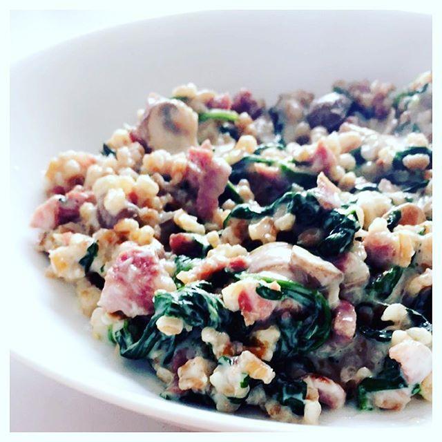 Aftensmad idé  Bygotto m. Masser Spinat, kalkunbacon, svampe, parmesan og Philadelp...