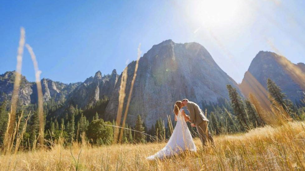 6 Stunning Places to Get Married in the Fall - Best Fall Wedding Venues