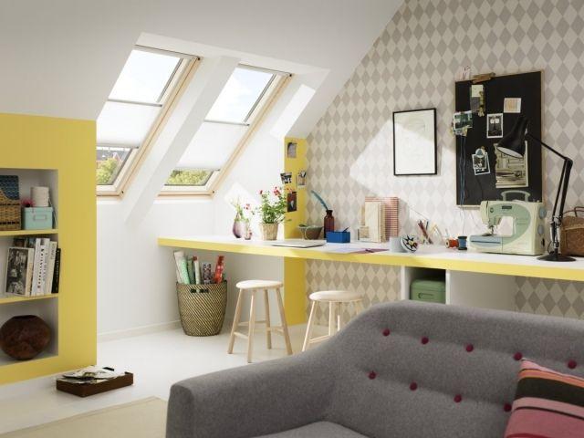 Regale Dachschrä wohnideen dachschrä dachfenster licht mustertapete rautenmuster