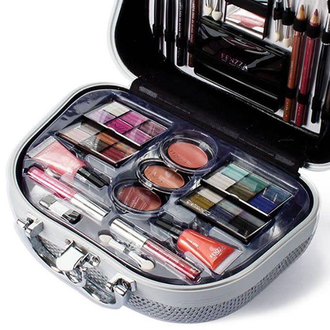 Post de hoje: Maquiagem Fenzza é Boa? é de Qualidade? #maquiagemfenzza Veja no link:  http://maquiagenspassoapasso.com.br/maquiagem-fenzza-e-boa-e-de-qualidade/