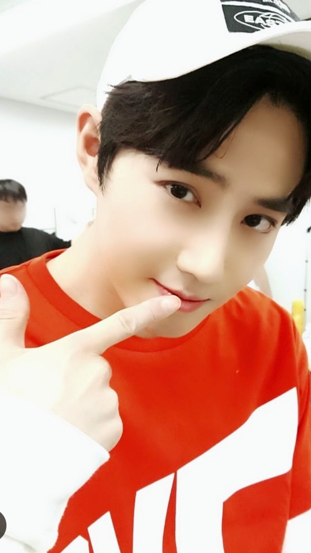 His exo l sign is always a uwu 😍❤ 😍 suho exo