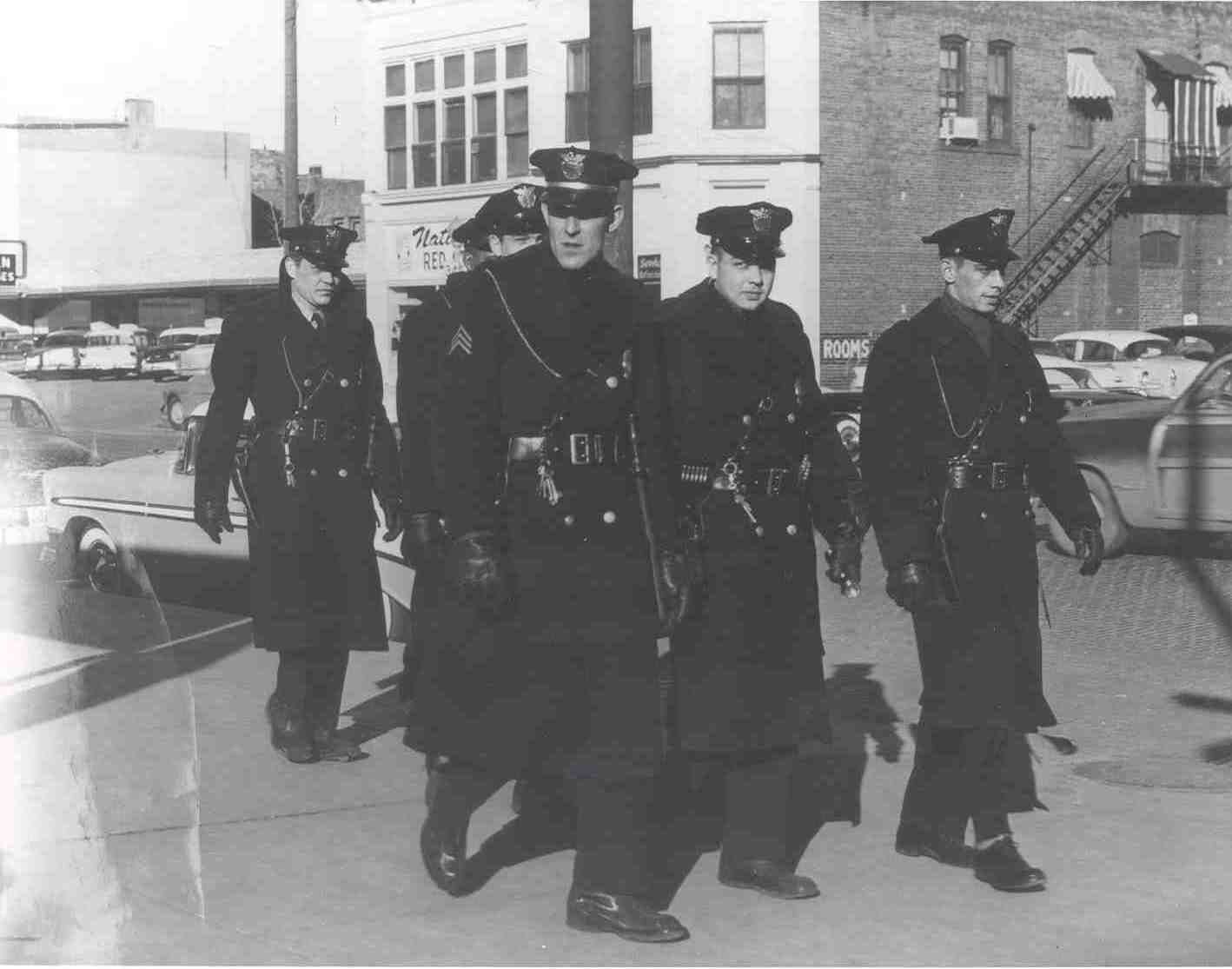 Losangeles Lapd Police La 1950s Uniforms I Wonder Why They Don T Have The Coats Anymore La Police Department Police Crime Los Angeles History
