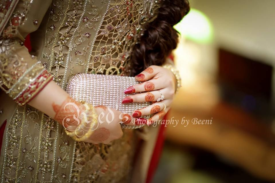 Mehndi Bridal Photoshoot : Pin by abdul s on henna beauty mehndi bridal
