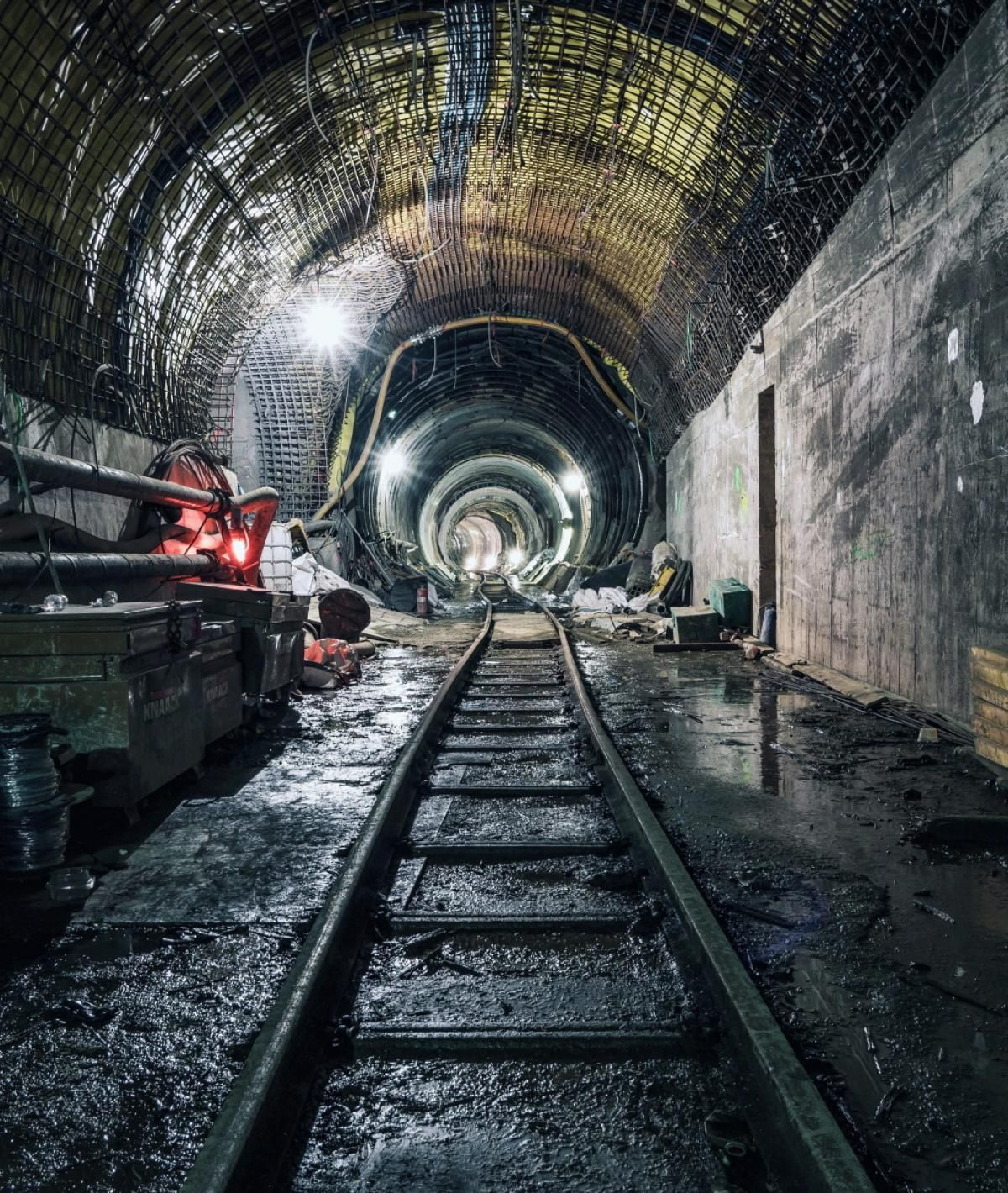 Photographer 'Dark.Cyanide' Captures Abandoned NYC Subways