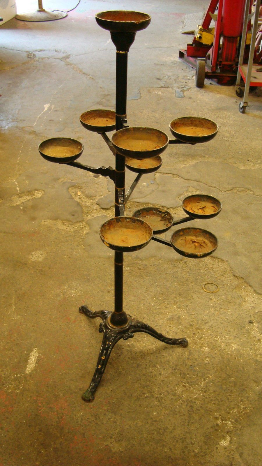 Vintage Cast Iron Plant Stand Holding 10 Plants Moveablle Ebay