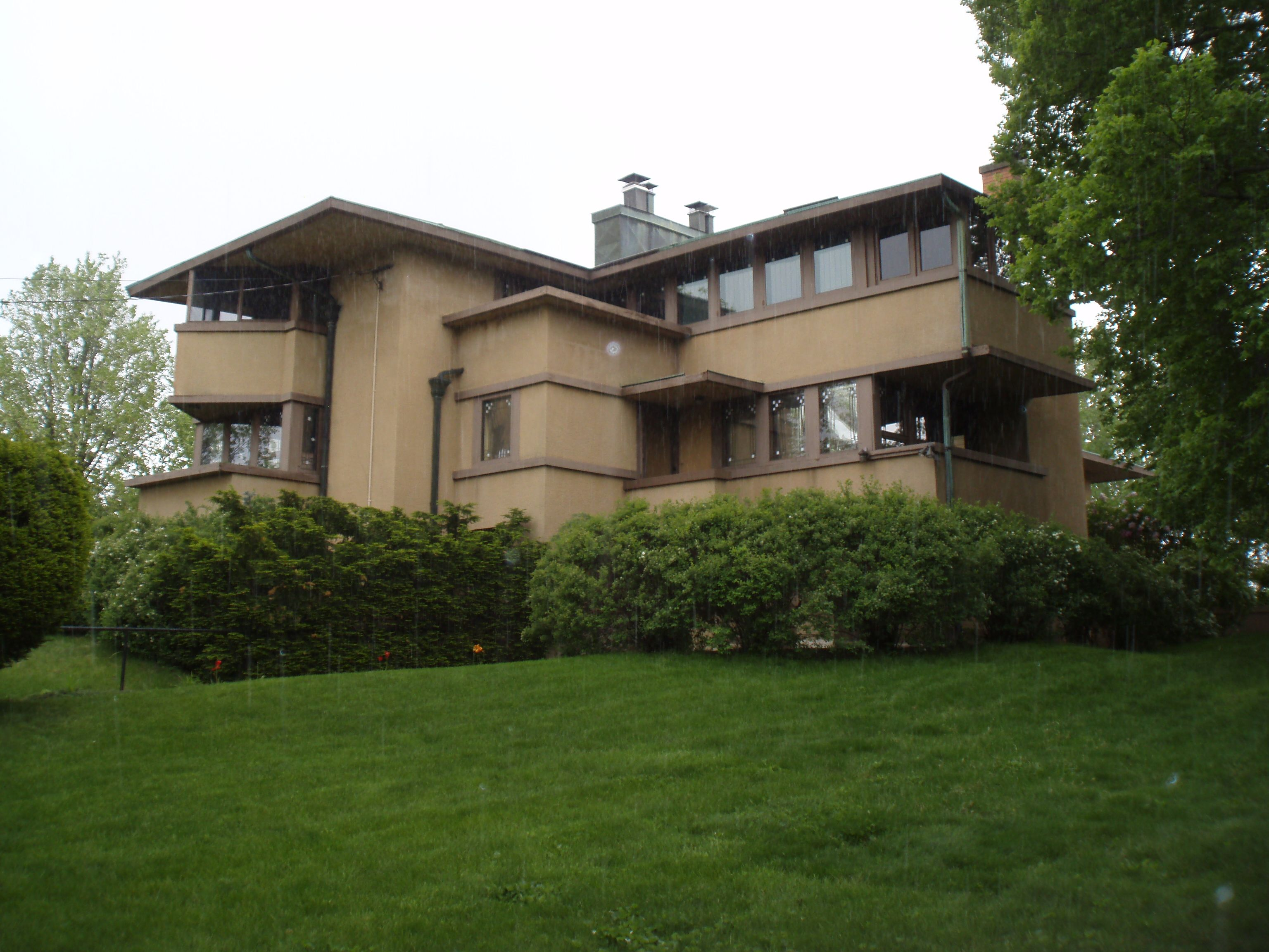 the airplane house gilmore residence in madison wisconsin