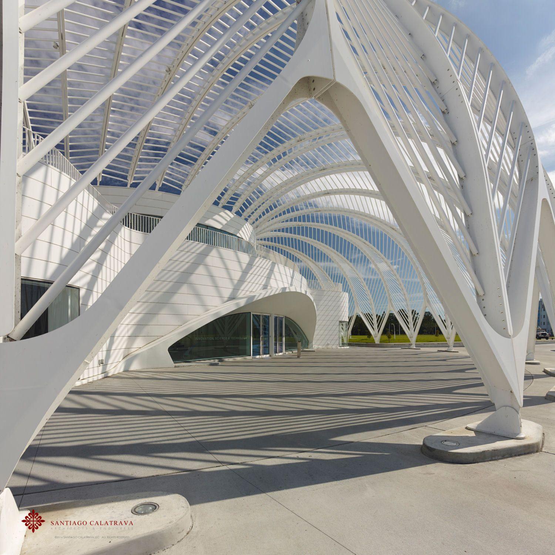 Dramatische Architektur Calatravas Universität in