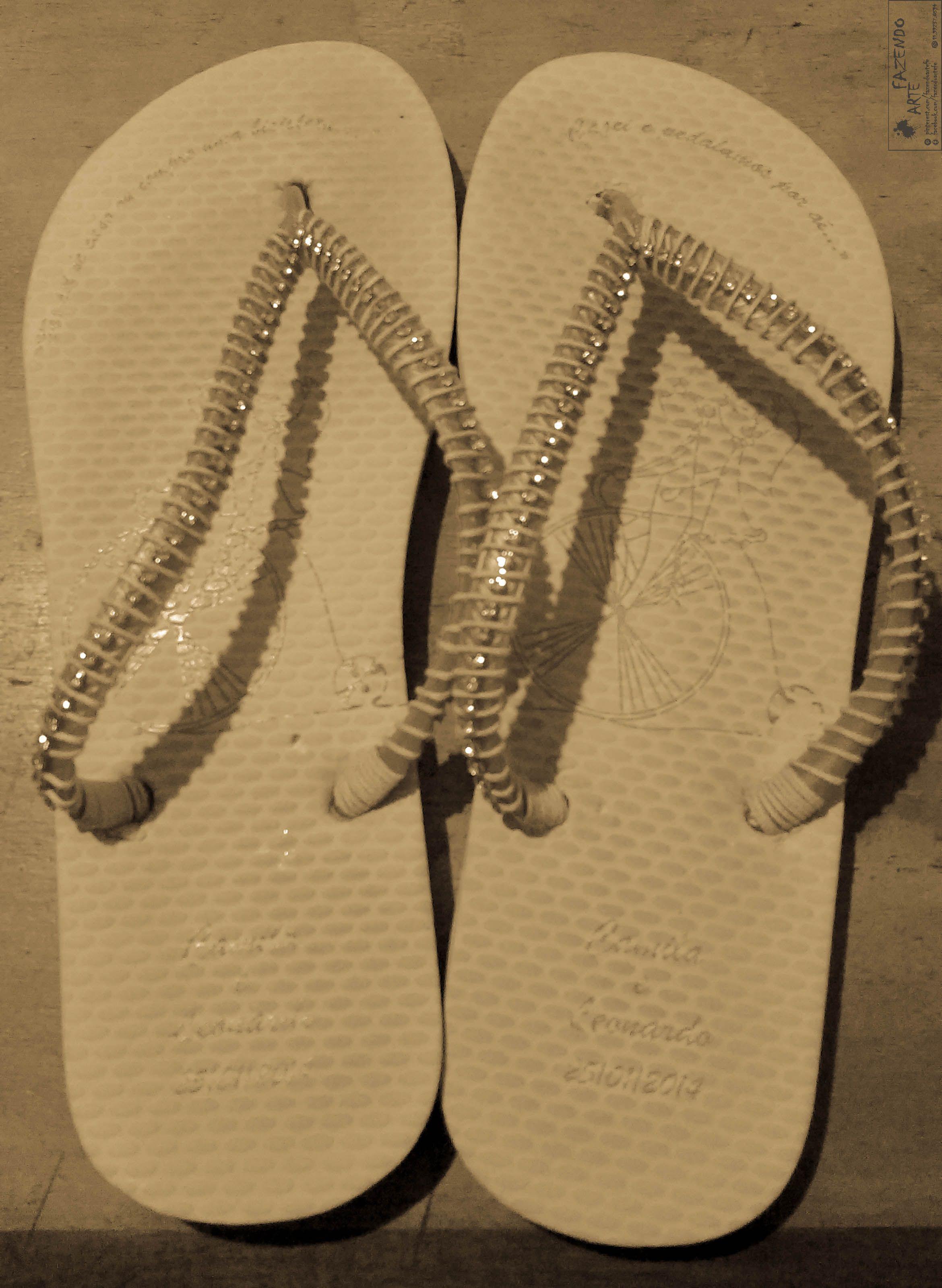 5d241f1ff  chinelo  flipflops  chinelodecorado  slipperdecorated  modafeminina   fashion  modapraia  beachfashion  presente  gift  aniversario  birthday   diadasmaes ...