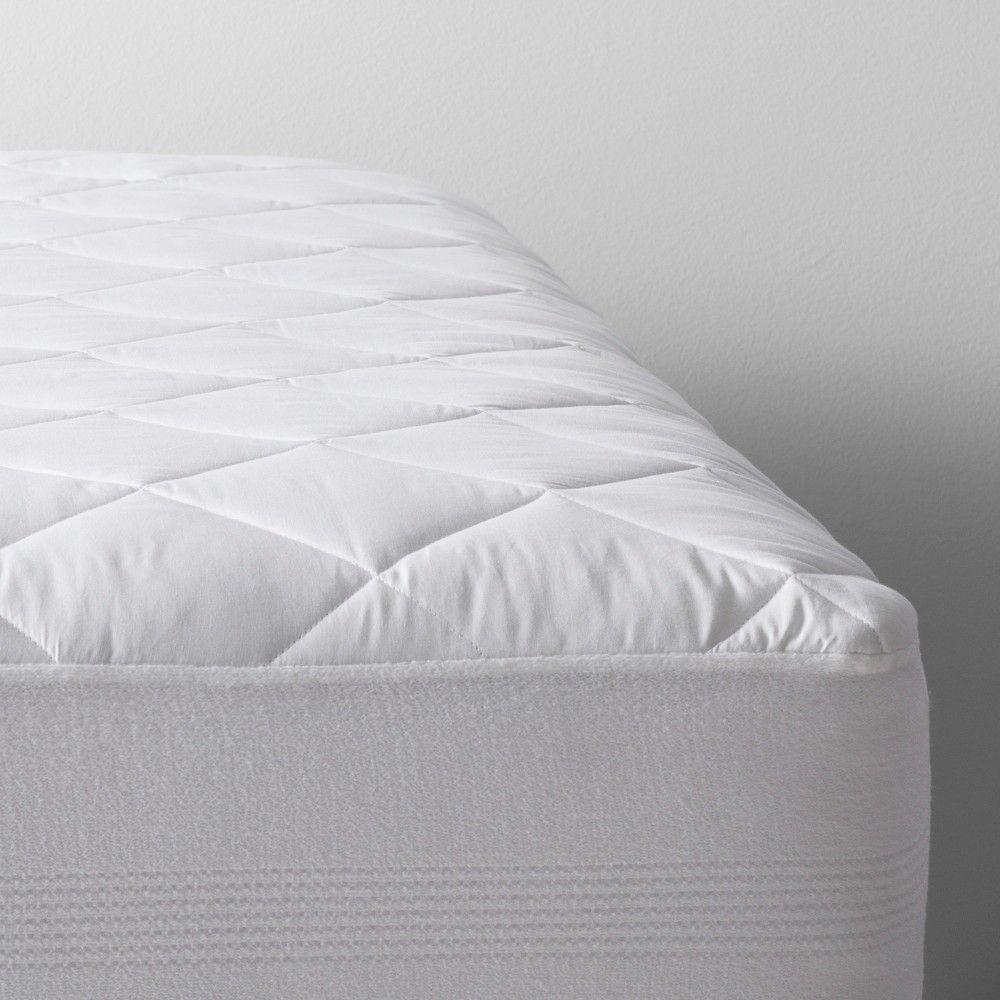 Queen Waterproof Mattress Pad White Made By Design Waterproof Mattress Pad Mattress Waterproof Mattress