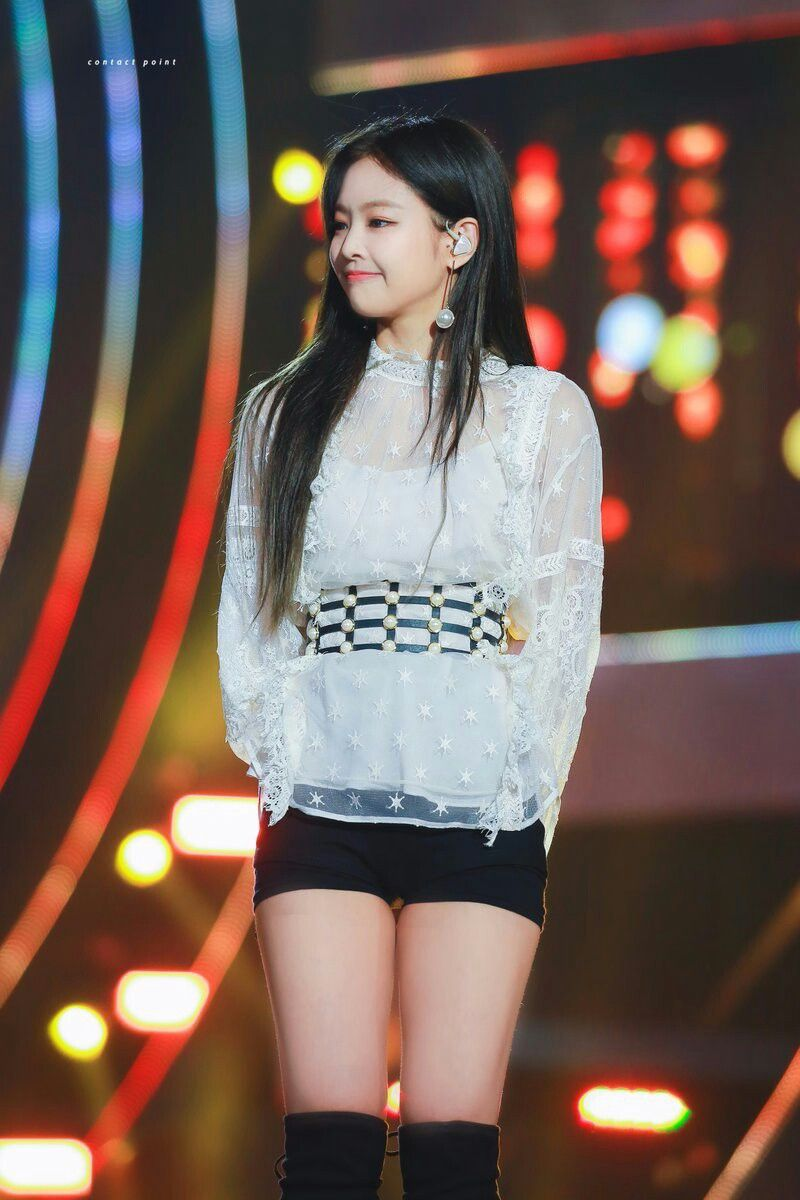 Pin by huynh kieu van on K-pop | Blackpink fashion, Korean outfits, Stage  outfits