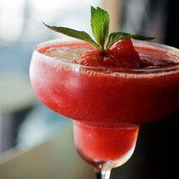 Frozen Strawberry Daiquiri 4 To 6 Drinks 1 Cup White Rum 3 Cups Fresh Strawberries Ro Frozen Strawberry Daiquiri Frozen Drinks Strawberry Daiquiri Recipe