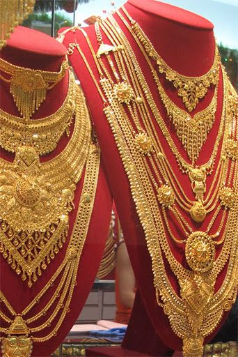 Hand Made Gold Necklaces In Dubai Bridal Gold Jewellery Bridal Gold Jewellery Designs Gold Necklace Designs