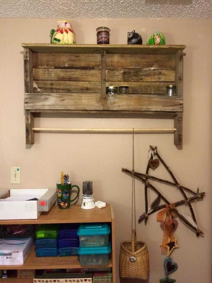 Rustic Pallet Shelf and Towel Rack | Pallet shelves, Pallets and Towels