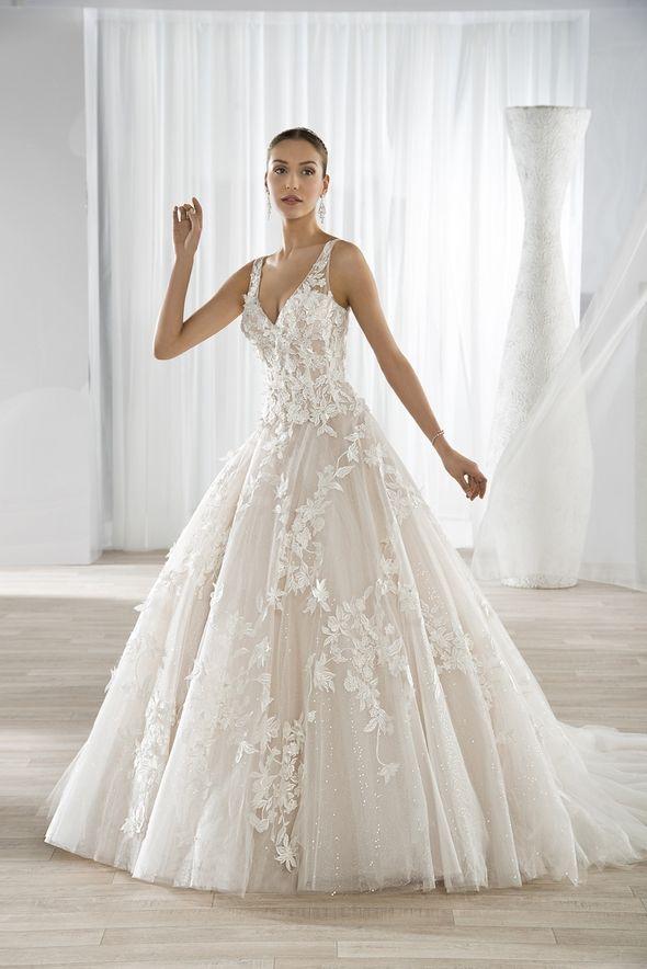 570a439aed0c Νυφικά Φορέματα Demetrios Collection - Style 640