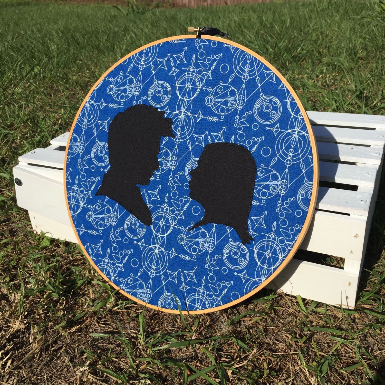Doctor Who Silhoeutte Portrait Cameos Wall Embroidery Hoop by Handmade3D on Etsy https://www.etsy.com/listing/257831435/doctor-who-silhoeutte-portrait-cameos