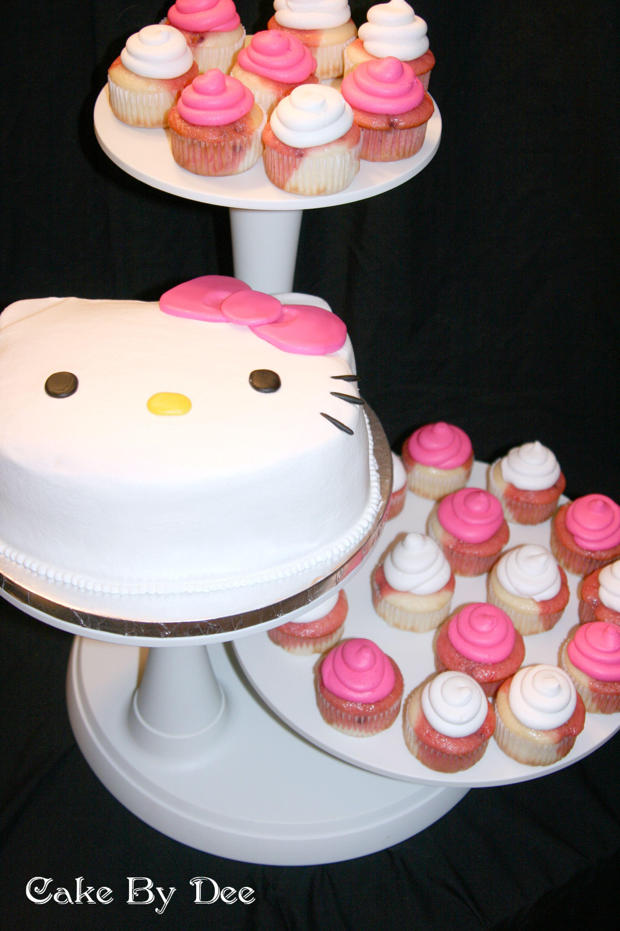 Hello Kitty Birthday CakeThia is a cute idea Hello Kitty