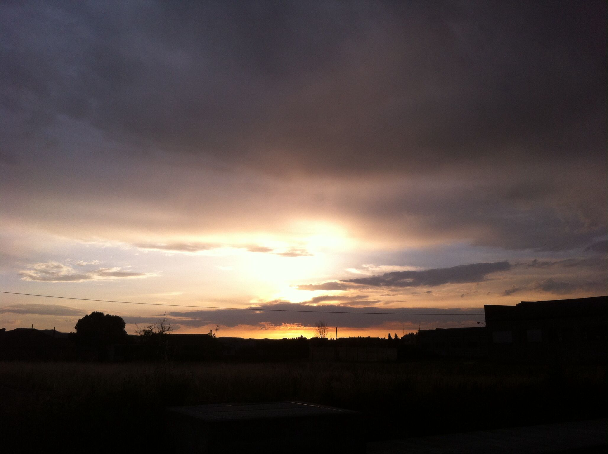 #amanecer desde Zaragoza by @RoussyOne