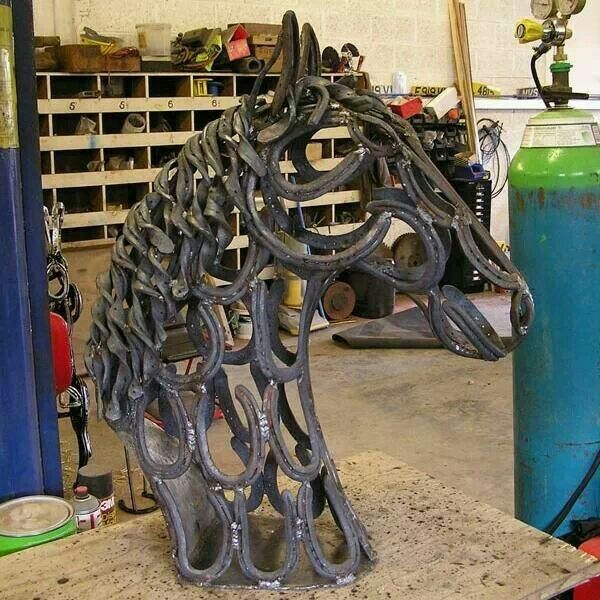 Horseshoe horse head cute ideas pinterest horse head for Shoe sculpture ideas