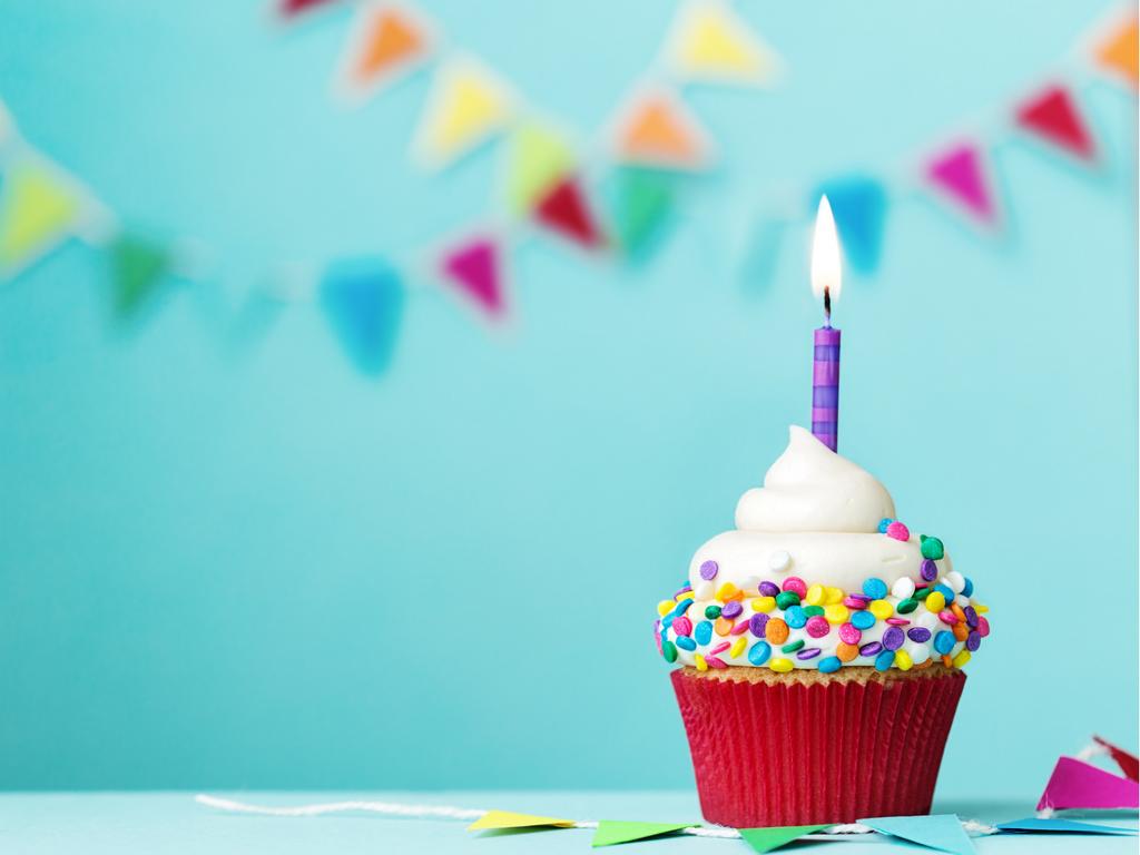 6 Consejos Para Ahorrar En El Primer Cumpleaños De Tu Bebé Feliz Y Bendecido Cumpleaños Pantallas De Cumpleaños Fondos De Cumpleaños