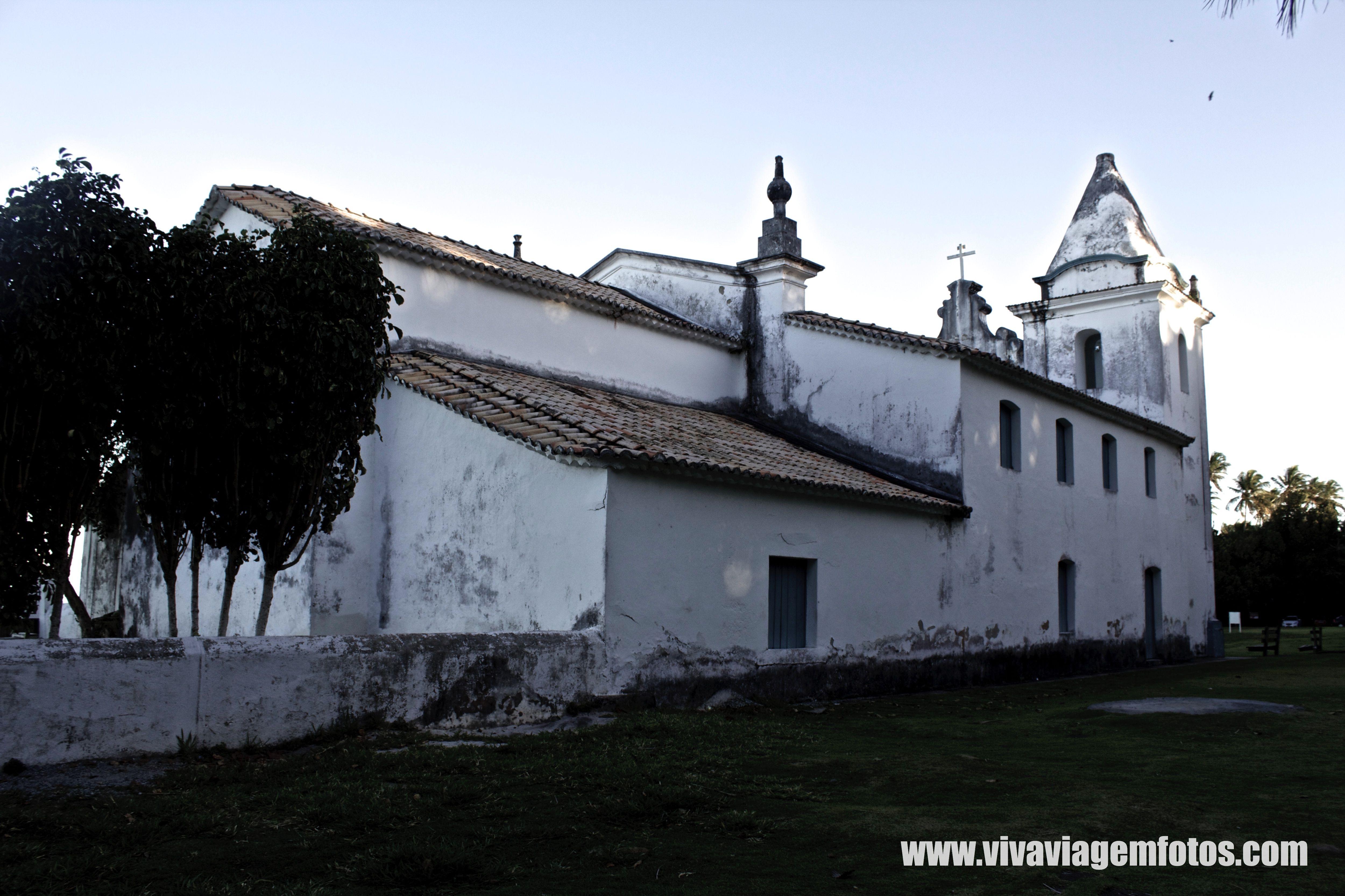 Igreja de Nossa Senhora da Conceicao, Construida no seculo XVII, esta localizada na Cidade de Santa Cruz de Cabralia - Bahia.