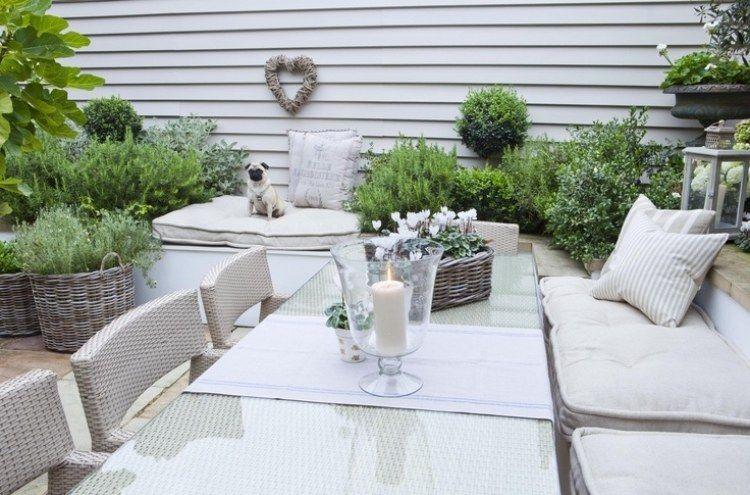 Essbereich im Freien im Shabby Look gestaltet | garden | Pinterest ...