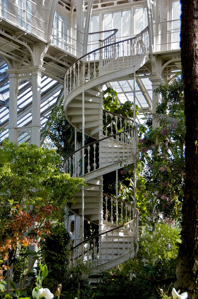 Best You Spin Me Right Round In 2020 Architecture Stairways 640 x 480