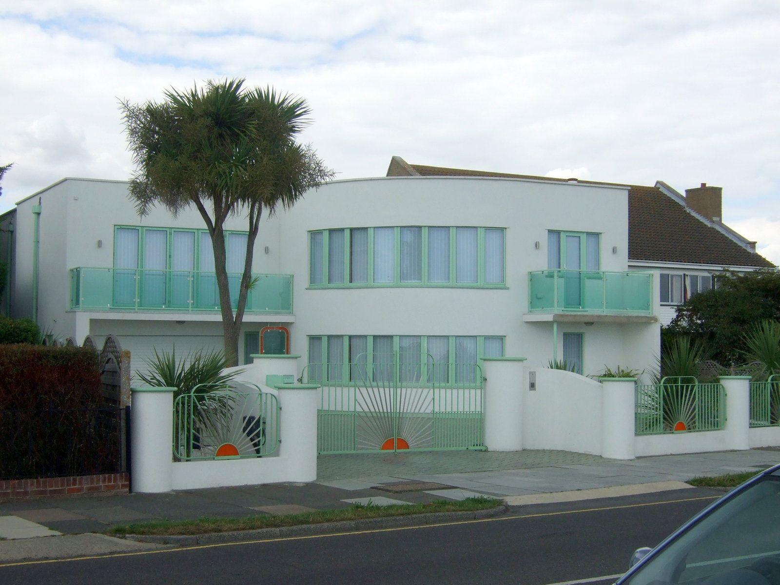 Art Deco Home art-deco-home- i-like-the-fence-detail | architechture | pinterest