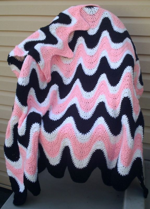 Black Pink Ripple Afghan Throw Pillow Coasters Crochet Patterns