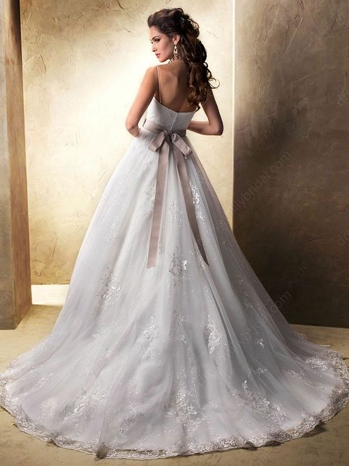 Princess Spaghetti Straps Tulle Sweep Train Sashes / Ribbons Wedding Dresses