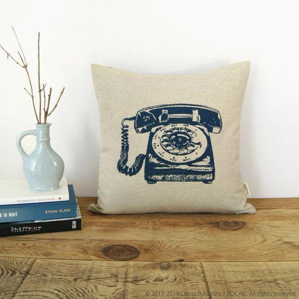 Housse de Coussin Décorative en 16x16 | Impression de Téléphone Vintage | Rétro Industriel | Bleu Marine et Beige Naturel, Motif Ikat au Dos
