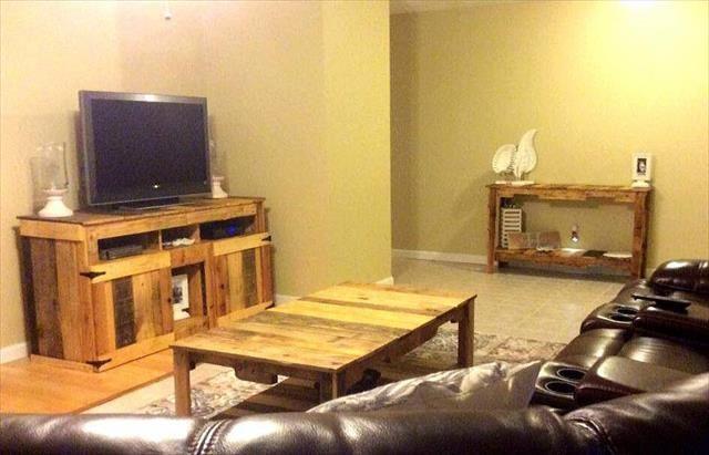 DIY Pallet Wooden TV Stand - Media Cabinet | 99 Pallets