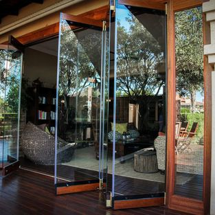 Frameless Folding Doors | Delray Bungalow | Pinterest | Bungalow ...