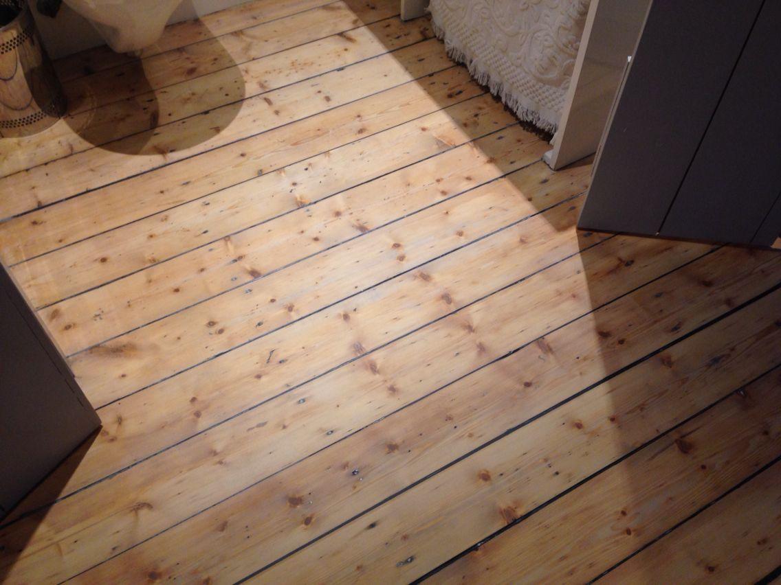 Restauratie grenen vloer behandeld met osmo hardwax loft floors