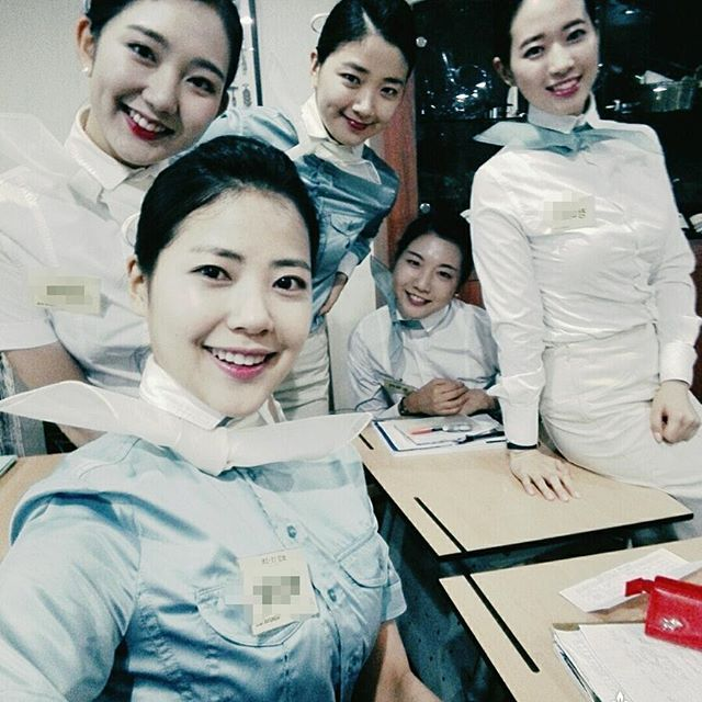 KOREAN AIR Flight Attendant/ Cabin Crew of ✩INSTAGRAM✩ #승무원 #보수교육 #아쉬움가득 #동기들 #또언제만나나 #마지막 #교육 무사히 수료!!!!! 일주일이 빨리갔당 ㅠㅠ 또봐유 비행기에서