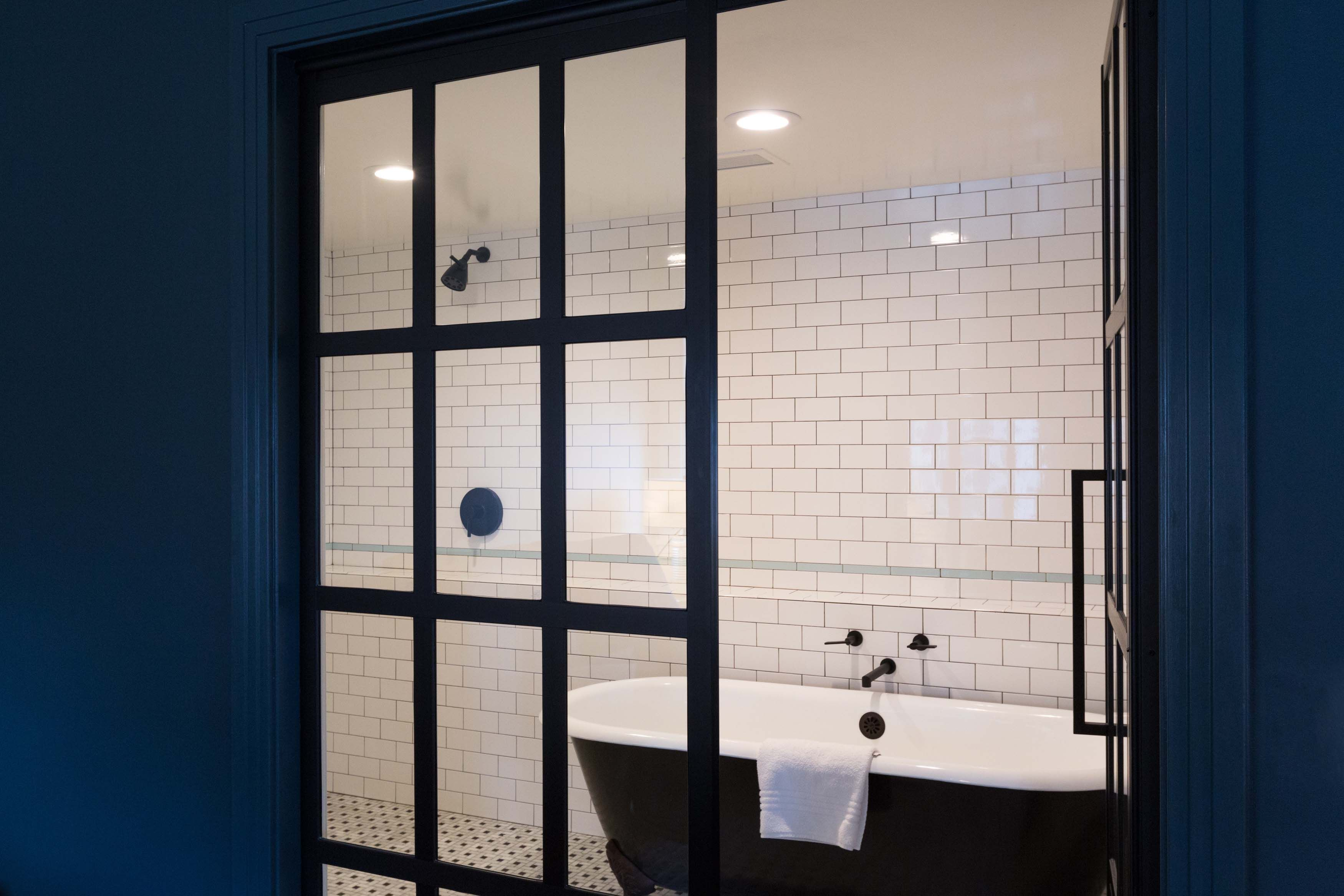 Gridscape Series Splash Screen For Windowpane Bathroom Entry Door