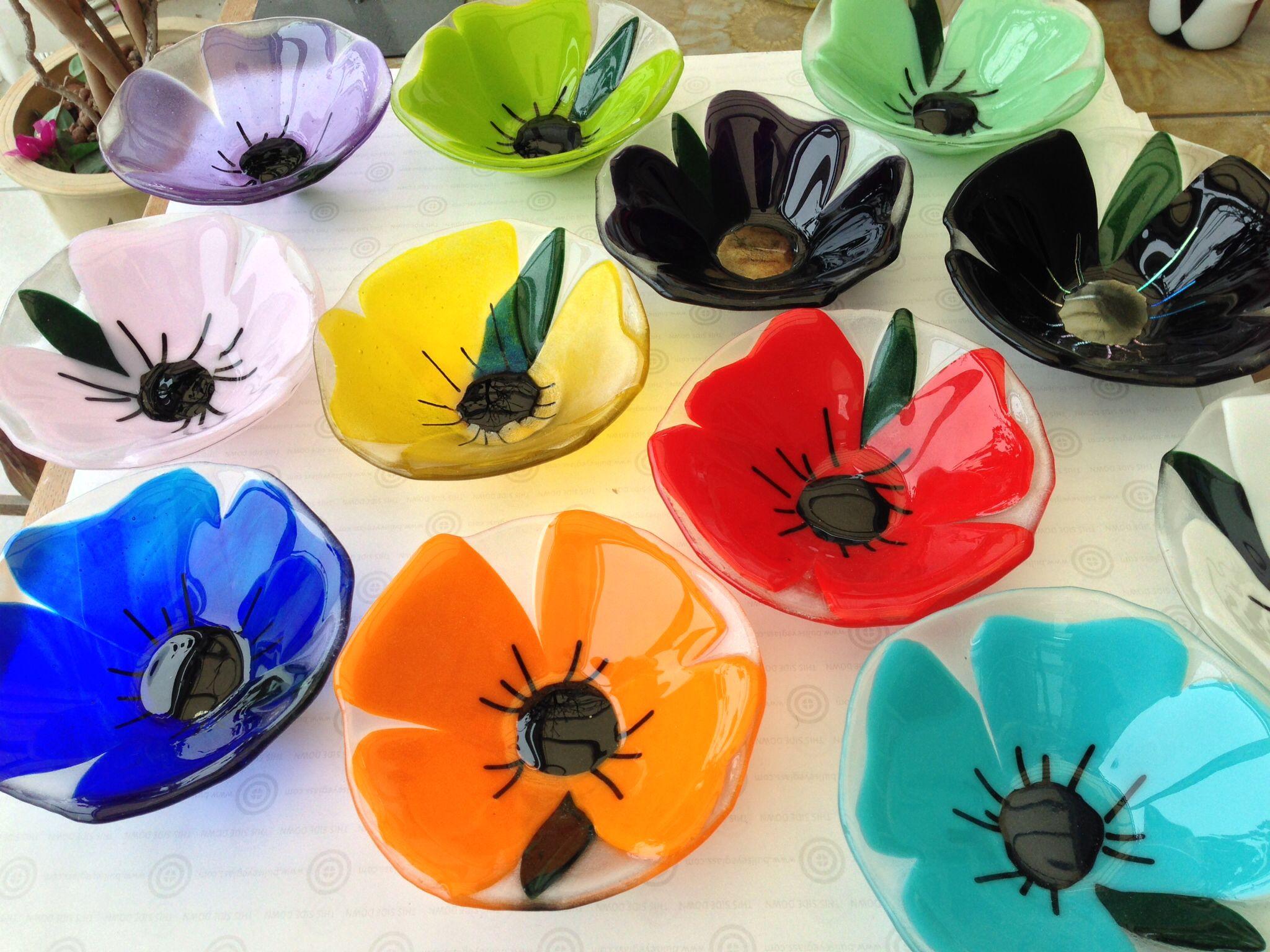 FUSED GLASS SINGLE FLOWER MINI BOWLS - Bullseye - blomster skål i glas - fused glass -