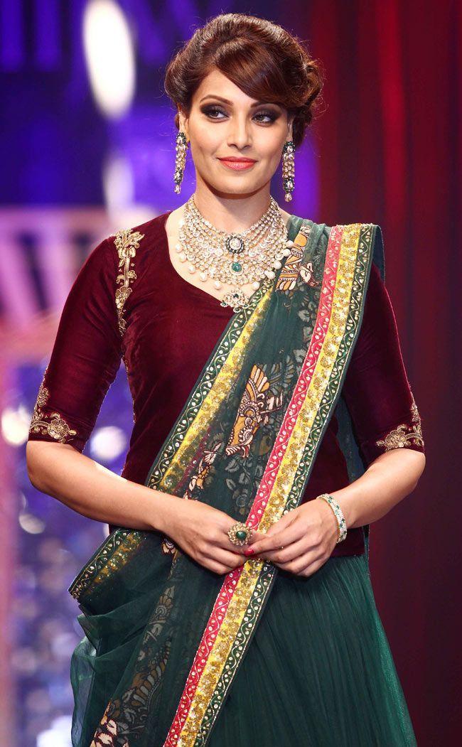 Bipasha Basu Biography, Height, Husband, Family, Net Worth   World Super Star Bio