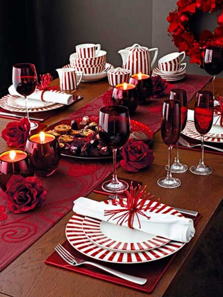 Bonitos complementos y accesorios para decorar la mesa en navidad