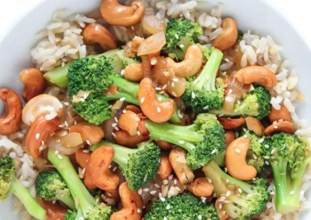 La recette de sauté de brocoli aux noix de cajou (Végane et facile à faire!)