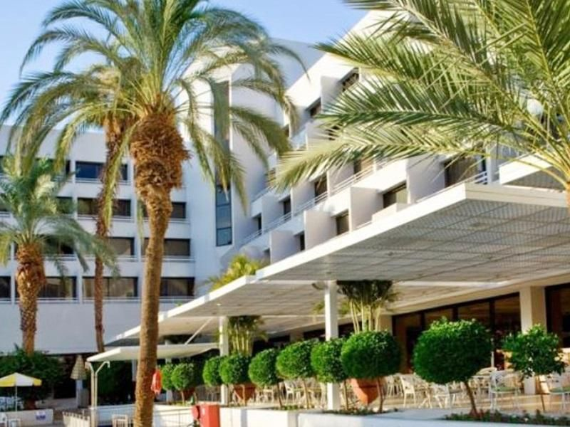 Eilat Isrotel Lagoona All Inclusive Hotel Israel, Middle East Isrotel Lagoona All Inclusive Hotel is perfectly located for both business and leisure guests in Eilat. Featuring a complete list of amenities, guests will find their stay at the property a comfortable one. All the necessary facilities, including free Wi-Fi in all rooms, 24-hour front desk, 24-hour room service, facilities for disabled guests, luggage storage, are at hand. All rooms are designed and decorated to mak...