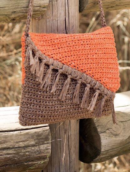 8194ae8598 Patron gratuit pour crocheter un sac bicolore avec le fil Washi de Katia