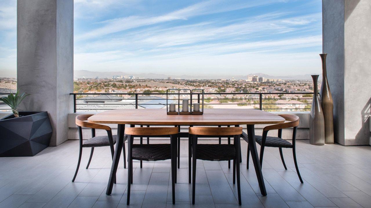 Modern Elegance In Las Vegas In 2020 Modern Design Design Consultant