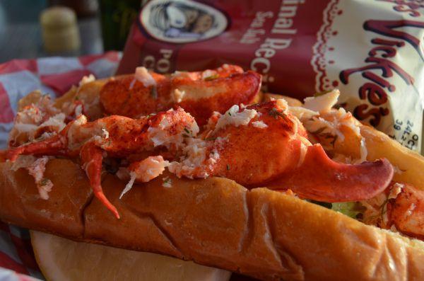 lobster roll lobster bar newport ri