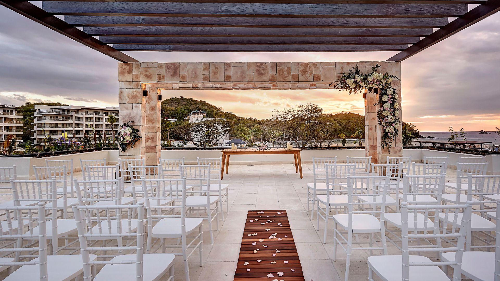 Win a FREE Destination Wedding All inclusive wedding